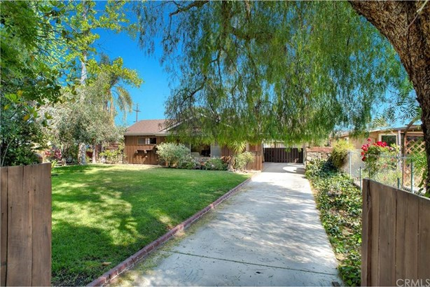 11084 Wicks Street, Sun Valley, CA - USA (photo 1)