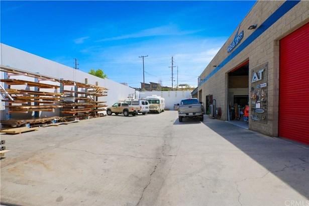 1626 Ohms Way, Costa Mesa, CA - USA (photo 3)