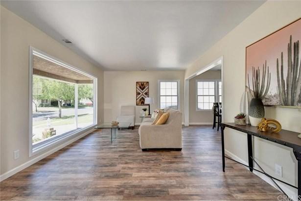 4912 Barlin Avenue, Lakewood, CA - USA (photo 5)