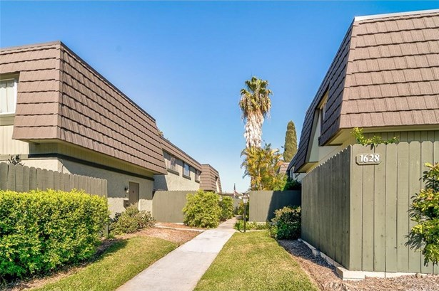 1628 Iowa Street D, Costa Mesa, CA - USA (photo 2)