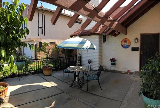 11544 Talaud Street, Cypress, CA - USA (photo 2)