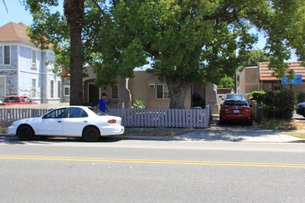 924 Orange Street, Redlands, CA - USA (photo 2)
