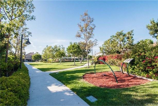 15530 Sonora Street, Tustin, CA - USA (photo 2)