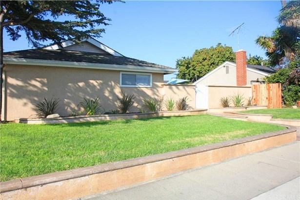 17441 Newland Street, Huntington Beach, CA - USA (photo 2)