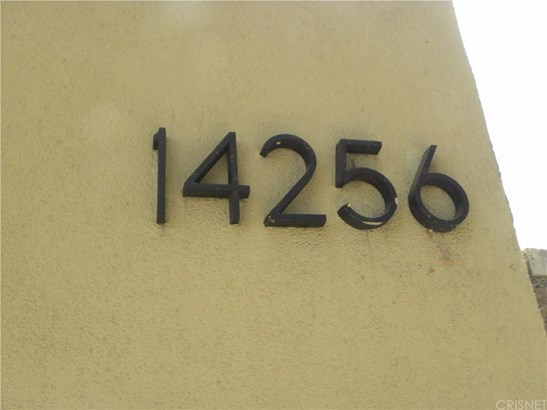 14256 Victory Boulevard 6, Van Nuys, CA - USA (photo 2)