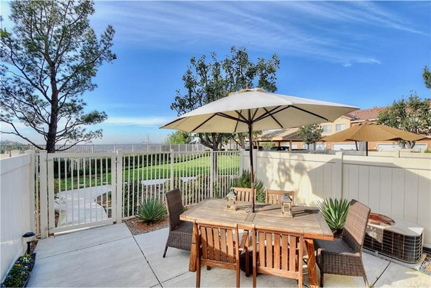 931 S Ogden Court, Anaheim Hills, CA - USA (photo 2)