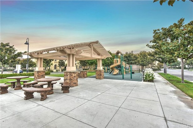 2736 W Madison Circle, Anaheim, CA - USA (photo 3)