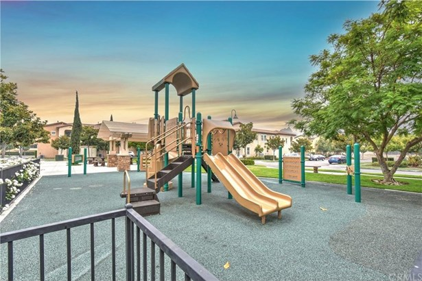 2736 W Madison Circle, Anaheim, CA - USA (photo 4)