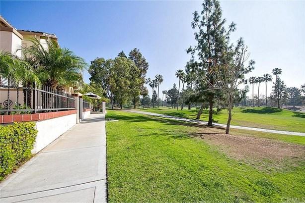 2344 Sunningdale Drive, Tustin, CA - USA (photo 2)