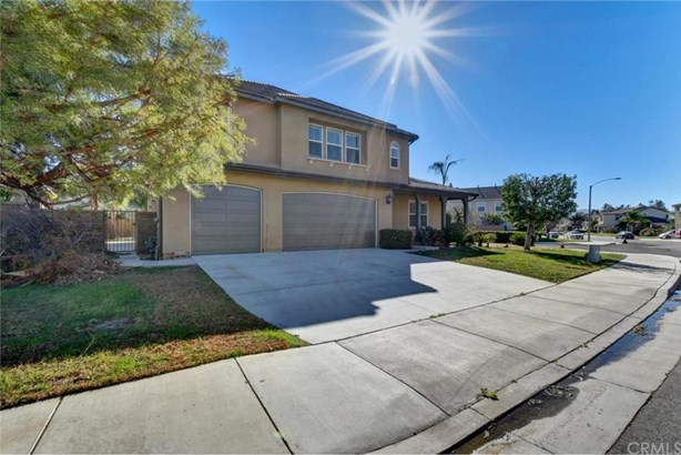7150 Cottage Grove Drive, Corona, CA - USA (photo 2)