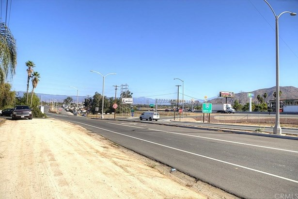 2941 S La Cadena Drive, Colton, CA - USA (photo 3)