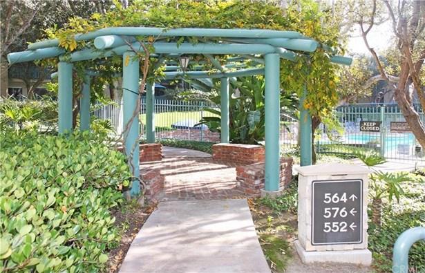 552 N Bellflower Boulevard 317, Long Beach, CA - USA (photo 2)