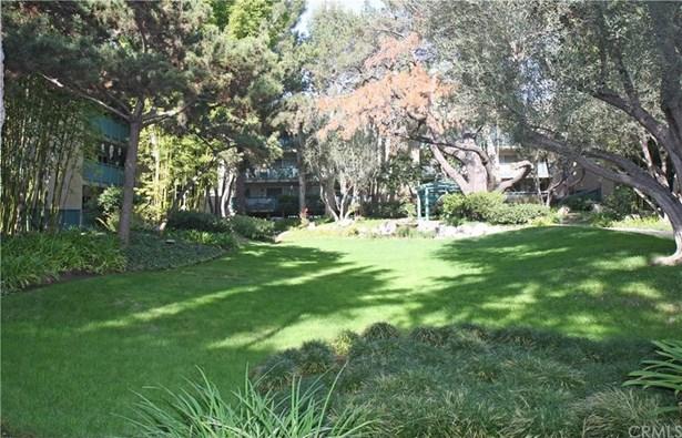 552 N Bellflower Boulevard 317, Long Beach, CA - USA (photo 3)
