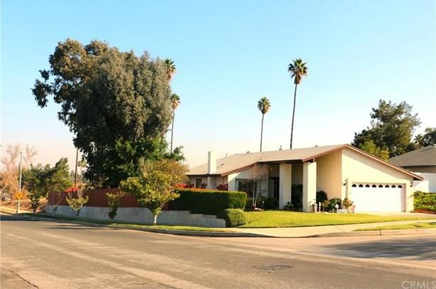 2183 Applegate Drive, Corona, CA - USA (photo 2)