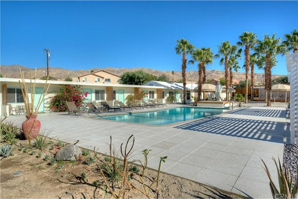 11740 Mesquite Avenue, Desert Hot Springs, CA - USA (photo 2)