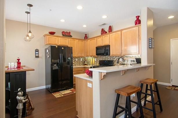315 Dolphin Ln 4, Oceanside, CA - USA (photo 3)
