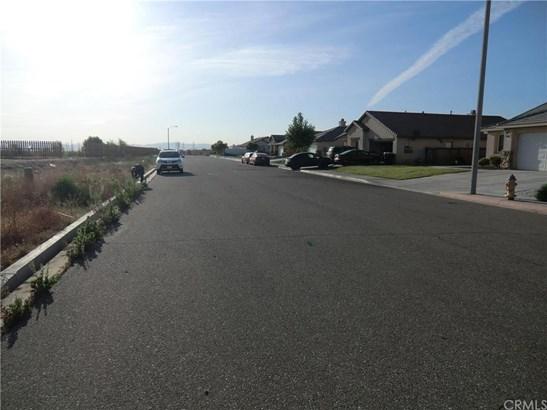 11838 Far Hills Lane, Victorville, CA - USA (photo 3)