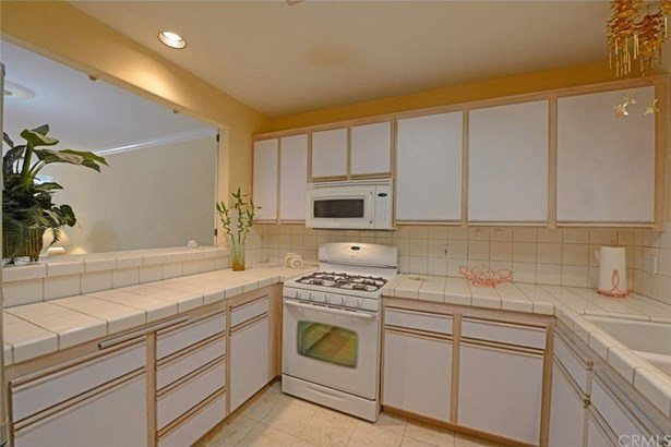 10629 Woodbridge Street 110, Toluca Lake, CA - USA (photo 4)