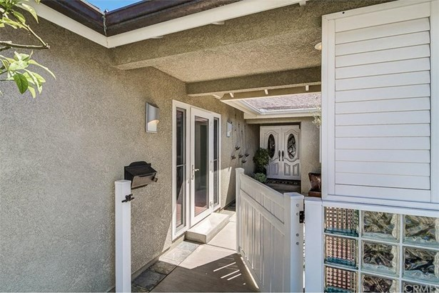 21082 Greenboro Lane, Huntington Beach, CA - USA (photo 3)