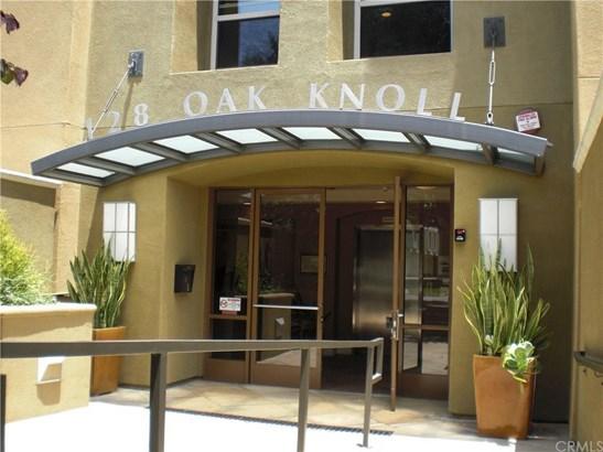 128 N Oak Knoll Avenue 311, Pasadena, CA - USA (photo 1)
