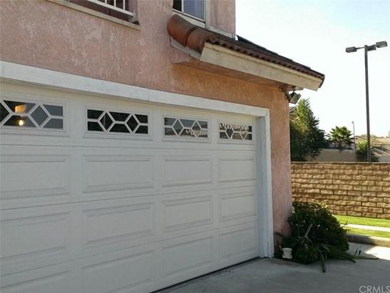 731 Del Valle Avenue F, La Puente, CA - USA (photo 2)