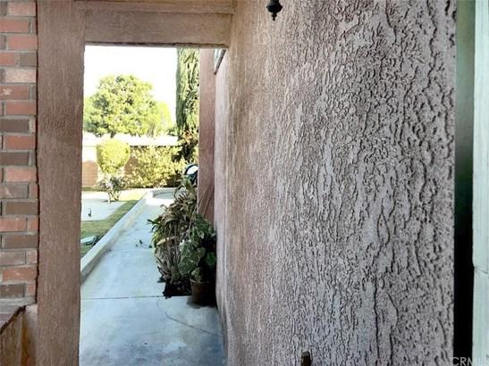 731 Del Valle Avenue F, La Puente, CA - USA (photo 4)