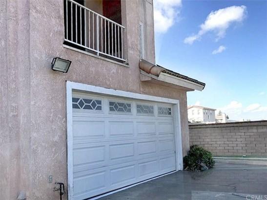 731 Del Valle Avenue F, La Puente, CA - USA (photo 5)