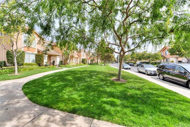 40 Avanzare, Irvine, CA - USA (photo 4)