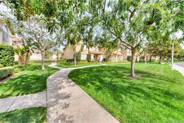 40 Avanzare, Irvine, CA - USA (photo 5)