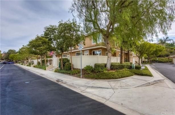 8415 E Cody Way 31, Anaheim Hills, CA - USA (photo 2)