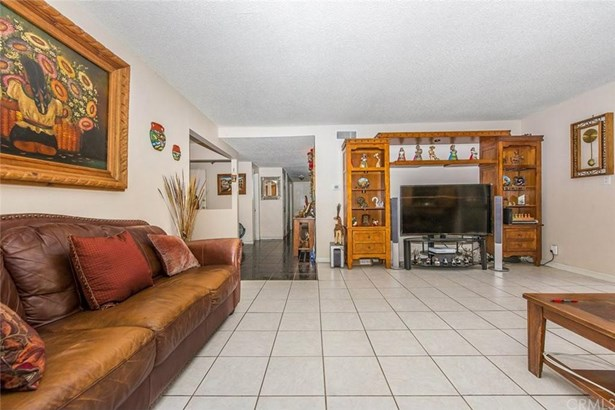 701 S Huron Drive, Santa Ana, CA - USA (photo 5)