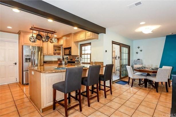 13805 Browning Avenue 9, Tustin, CA - USA (photo 5)