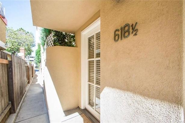 618 1/2 Avocado Avenue, Corona Del Mar, CA - USA (photo 2)