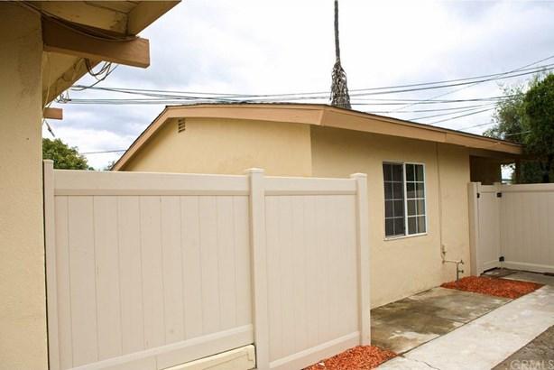 8876 Cypress Avenue, Arlington, CA - USA (photo 2)