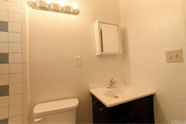 8876 Cypress Avenue, Arlington, CA - USA (photo 5)