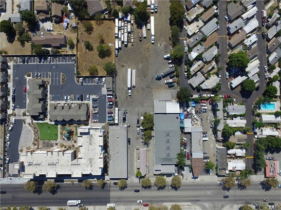 980 W Holt Avenue, Pomona, CA - USA (photo 2)