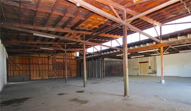 980 W Holt Avenue, Pomona, CA - USA (photo 4)