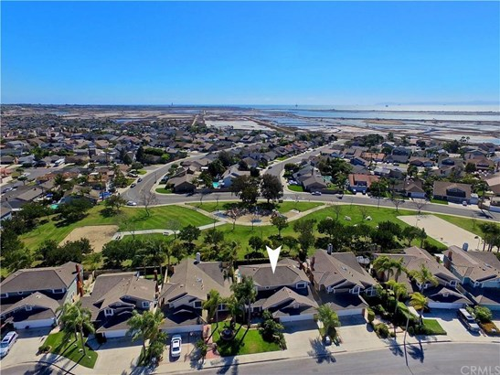 5692 Larkmont Drive, Huntington Beach, CA - USA (photo 2)