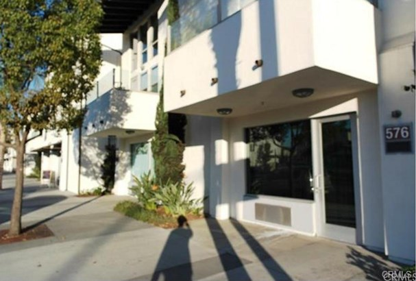 576 S Brea Boulevard, Brea, CA - USA (photo 4)