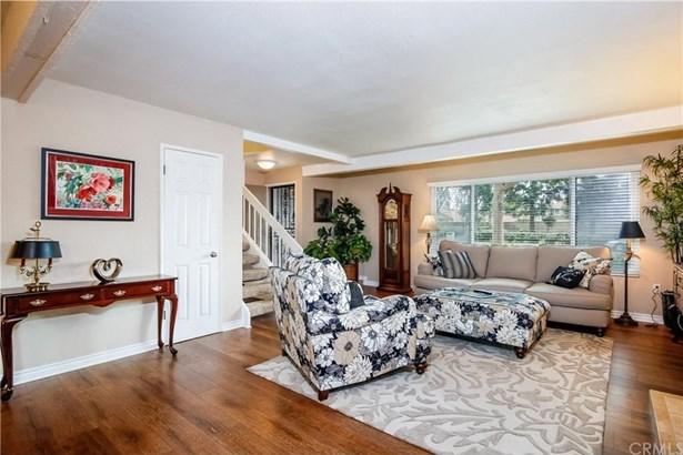 13765 Browning Avenue 3, Tustin, CA - USA (photo 5)