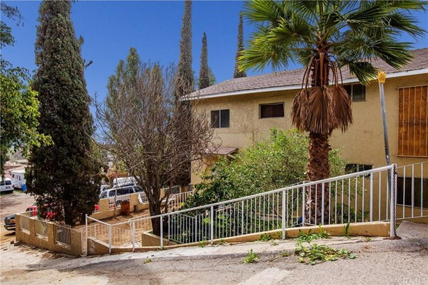 316 S Bluff Road, Montebello, CA - USA (photo 2)