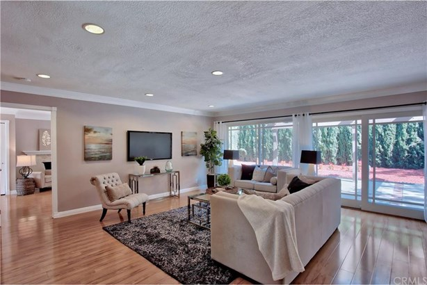 4081 Blackfin Avenue, Irvine, CA - USA (photo 3)