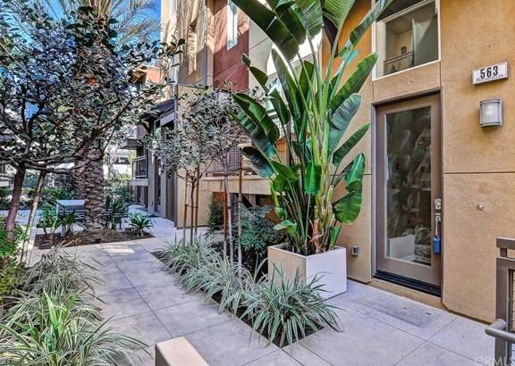 563 Rockefeller, Irvine, CA - USA (photo 1)
