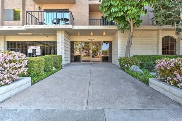 12400 Montecito Road 420, Seal Beach, CA - USA (photo 2)