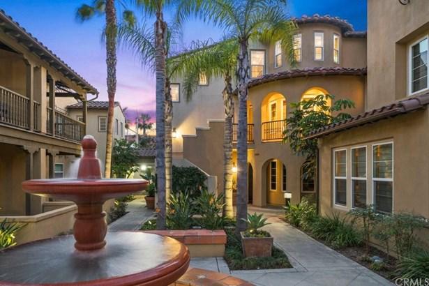21382 Estepa Circle, Huntington Beach, CA - USA (photo 1)