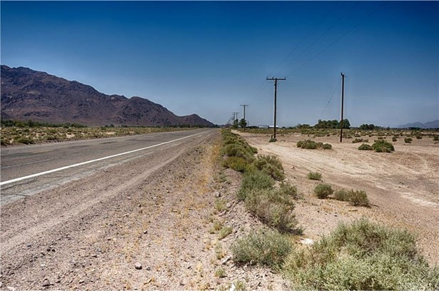 Route 66, Newberry Springs, CA - USA (photo 1)