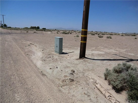 Route 66, Newberry Springs, CA - USA (photo 5)