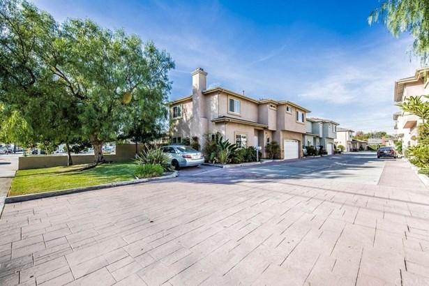 105 N Lauren Way, Anaheim, CA - USA (photo 2)