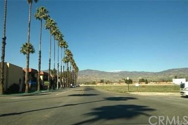 43275 Hacienda Street, Hemet, CA - USA (photo 2)