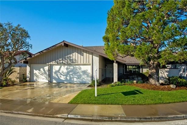 20821 Sparkman Lane, Huntington Beach, CA - USA (photo 2)